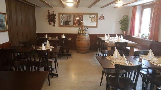 Aesch, Suisse : Restaurant Kluserstubli
