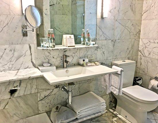 Casa Gangotena: Beautiful bathroom