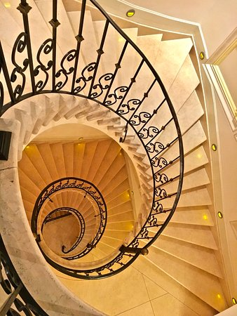 Casa Gangotena: Beautiful stairs