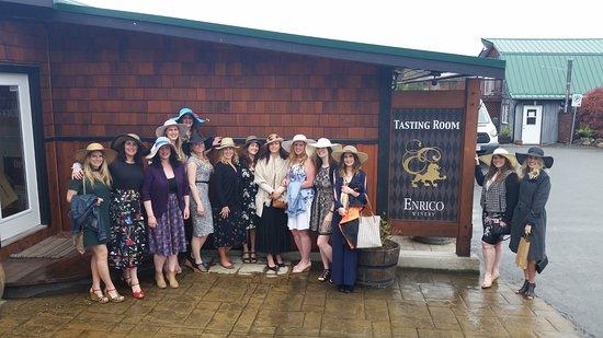 Mill Bay, كندا: Wine tour bachelorette party