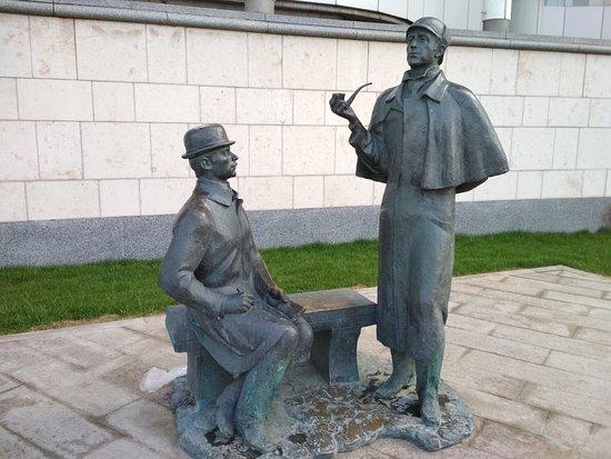 Monument to Sherlock Holmes and Dr. Watson ภาพถ่าย