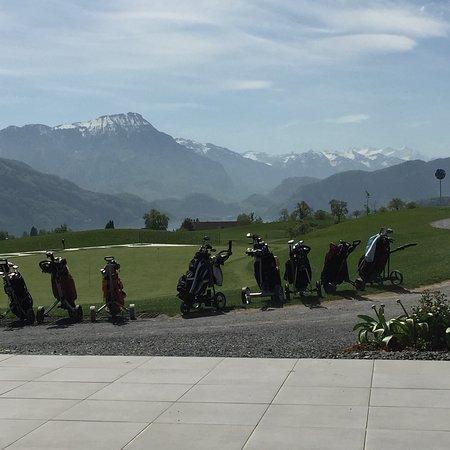 Meggen, Suíça: Blick Richtung Stanserhorn