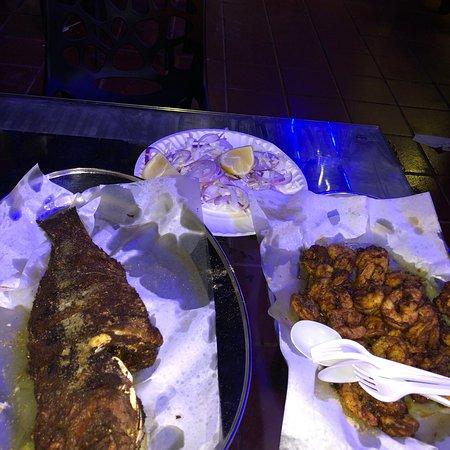 Bu Qtair Fish Restaurant: photo1.jpg