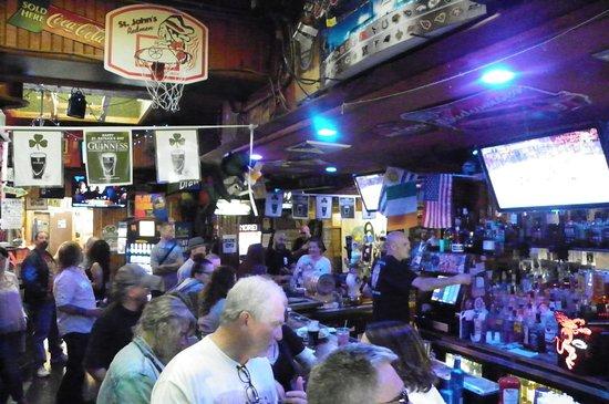 Glendale, NY: bar