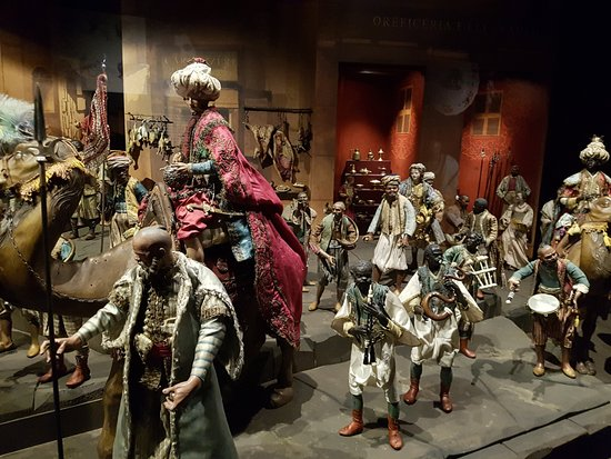 Belén Napolitano del Museo Nacional de Escultura: Reyes Magos en el Belén Napolitano expuesto en el Palacio de Villena (Valladolid)