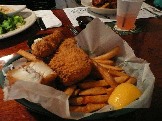 Gritty McDuff's - Lower Main Street: Fish & chips