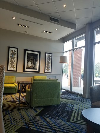 Holiday Inn Express Amp Suites Summerville 119 ̶1̶2̶9̶