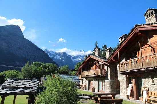 Au Coeur Des Neiges Prices Hotel Reviews Courmayeur