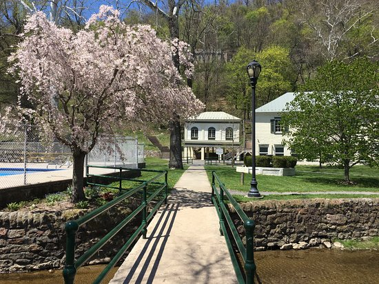 Berkeley Springs State Park, April 2018