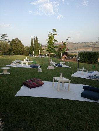 Monte Urano, Italia: In giardino sera di San Lorenzo