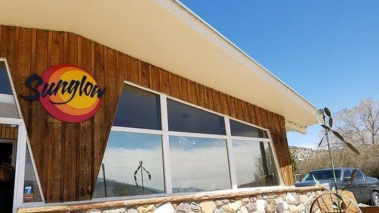 Bicknell, UT: Diner and adjoining Motel