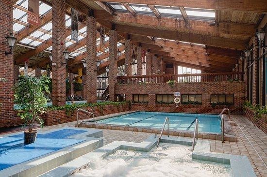 Countryside, IL: Pool