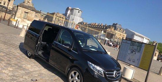 Paris Prestige Van
