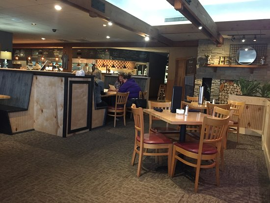 Baxter, MN: Part of dining area