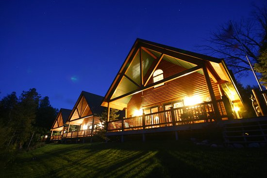 Drummond Island Resort and Conference Ct: Vacation Cabin & Cottage Rentals at Drummond Island Resort, MI
