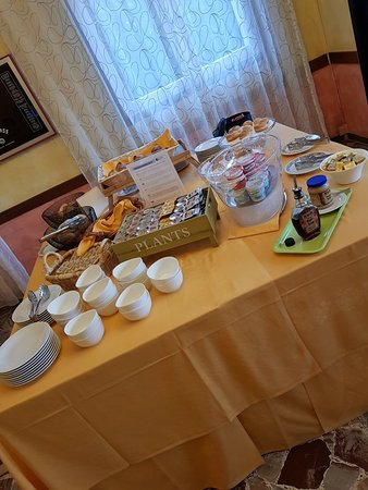 Hotel Felix Pindemonte: 20180429_075817_large.jpg