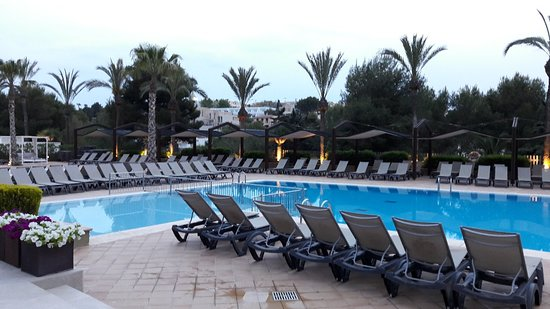 Insotel Cala Mandia Resort & Spa: 20180425_202929_large.jpg