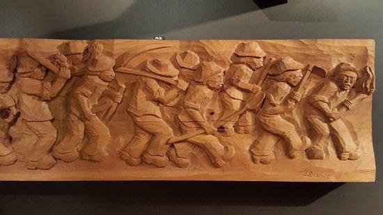 MAV - Museo dell'Artigianato Valdostano di Tradizione: Scultura su tavola di legno