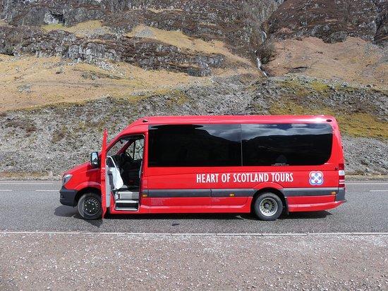 Heart of Scotland Tours: Arrêt devant les montages Three Sisters