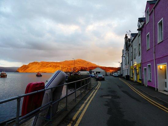 Heart of Scotland Tours: Coucher de soleil à Portree