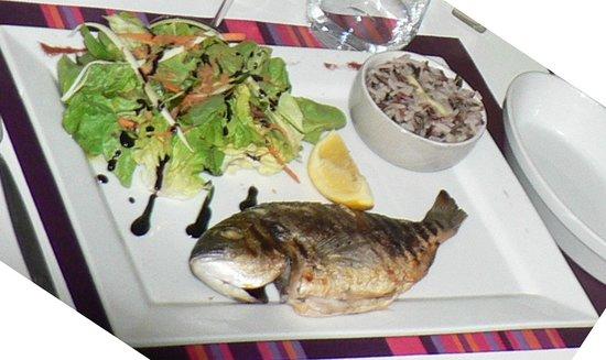 Doelan, ฝรั่งเศส: Une belle dorade grillée