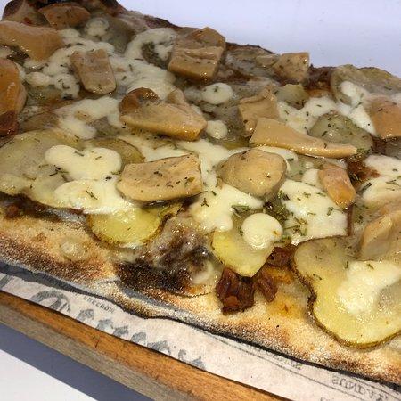 Gioiosa Ionica, إيطاليا: •Ragù di cinghiale •Fiordilatte •patate al forno •funghi porcini •rosmarino