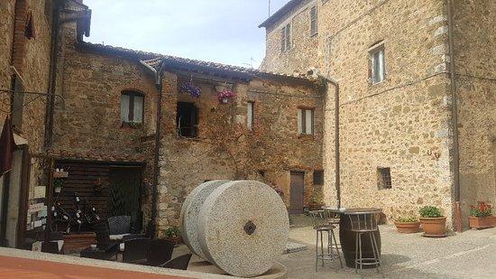 Osteria Passaparola Nell'antico Frantoio: 20180430_153000_large.jpg