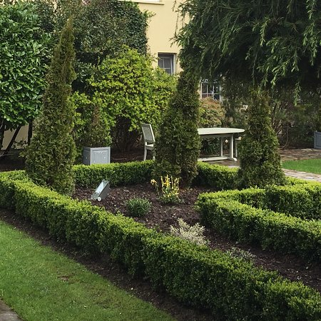Hayfield Manor Hotel: photo2.jpg