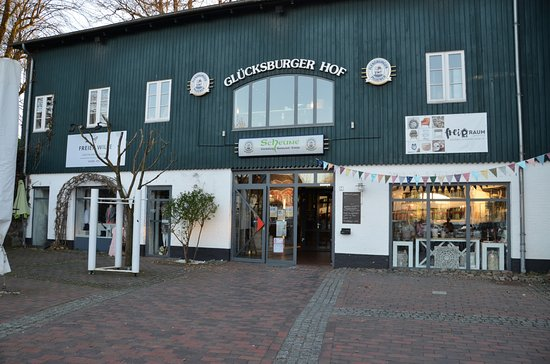 Utsidan Picture Of Restaurant Scheune Glucksburg Tripadvisor