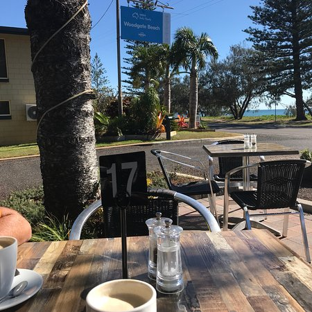 Great spot for brekky or a coffee whilst caravanning in the adjoining Woodgate tourist Park.