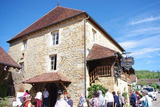 Jura, França: Entrée de la cave