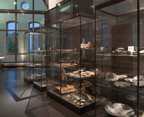 Museum fur Urgeschichte(n): Funde aus der Spätbronzezeit, um 1000 v. Chr.