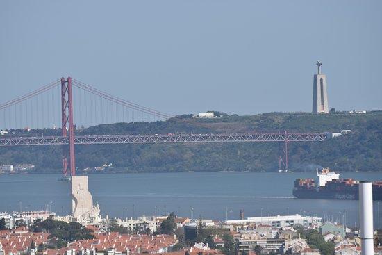 Линда-а-Велья, Португалия: Pont du 24 avril