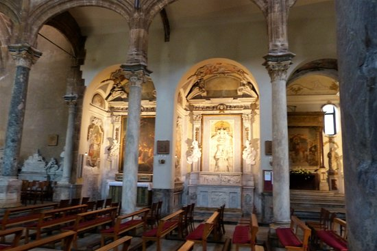Chiesa di Santa Maria della Catena: Seitenblick auf die Nebenaltäre
