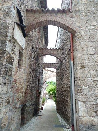 Porta Romana di San Gemini: IMG_20180501_150619_large.jpg