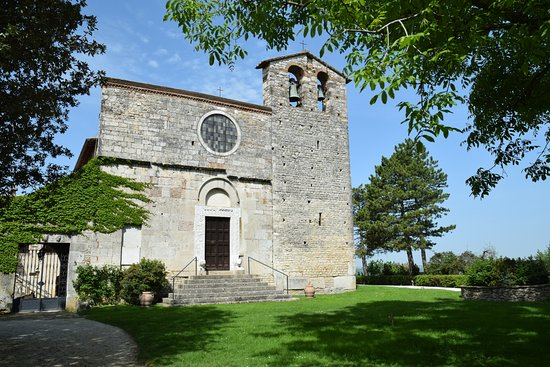 San Gemini, Italia: facciata