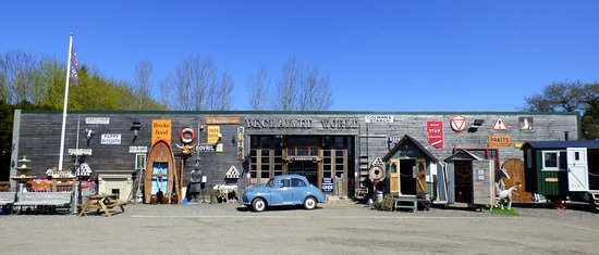 Little Budworth, UK: Our immaculately presented 3-acre site is truly a salvage yard with a difference!