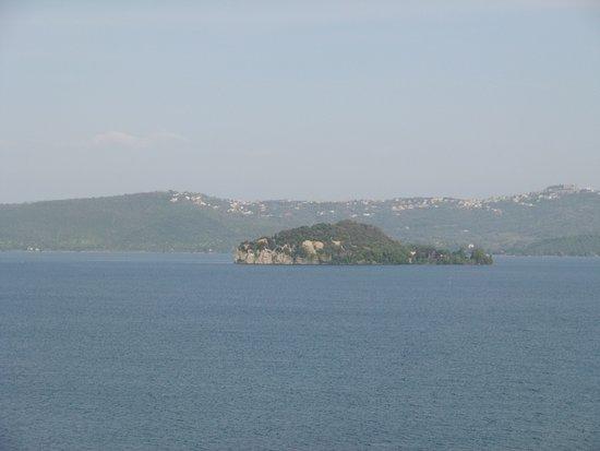 Belvedere : Isola Martana