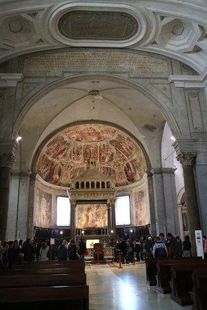 San Pietro in Vincoli: Innenraum