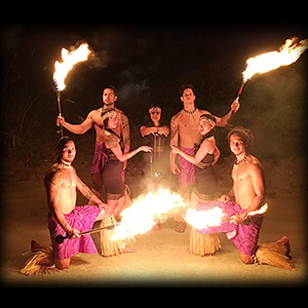Daytona Beach Shores, FL: Polynesian Fire Luau consists of Polynesian Hula and Fire Dancers