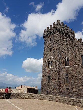 Torre Alfina, Италия: 20180430_112823_large.jpg