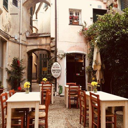 Ristorante Mastrovini Enoteca Con Cucina In Genova