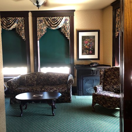 Hickok's Hotel & Gaming: photo0.jpg