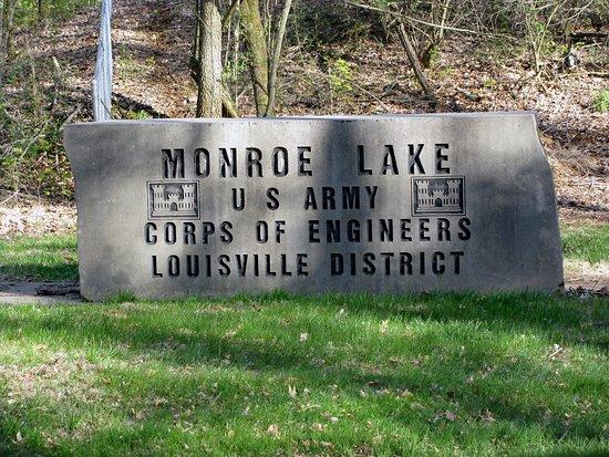 Monroe Lake: Entrance to Overlook & Tailwaters - no fee