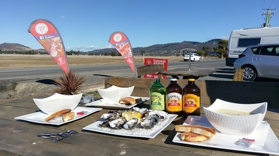 Tasmanian Gourmet Seafoods: 公路旁大餐