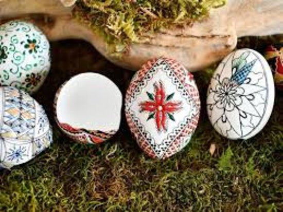 Explore Bucovina: Painted eggs & traditions in Bucovina