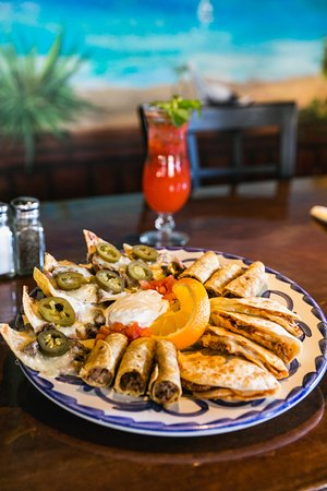 Libertyville, IL: Botannas Appetizer Platter