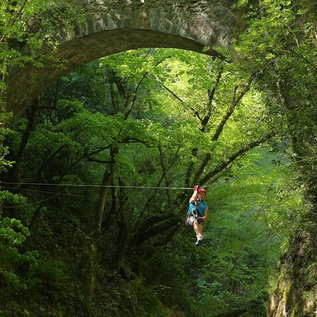 The bridge zip line - Picture of Canyon Park, Bagni di Lucca ...