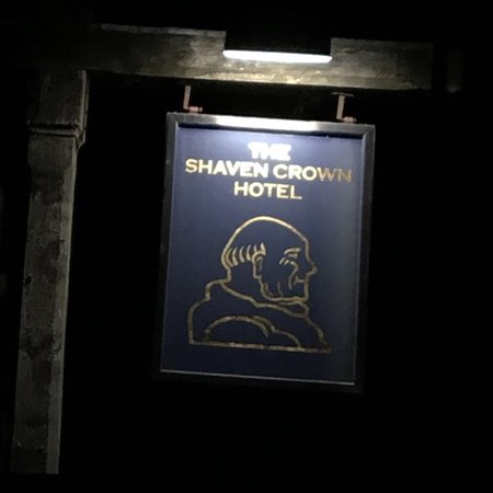 Shipton under Wychwood, UK: The lovely Shaven Crown