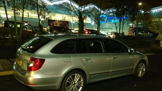 Shepshed, UK: Movements UK Airport Taxi, Christmas Collection at Birmingham Airport